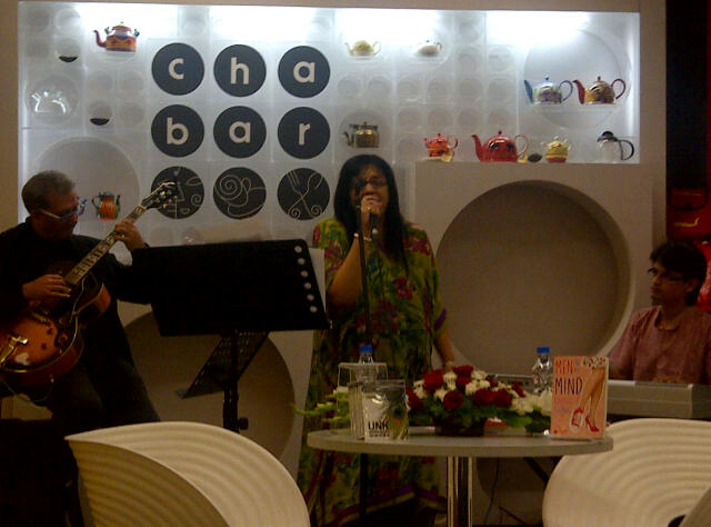 Radha THomas, Aman Mahajan, Ramjee Chandran at the book launch. Performin a tune.